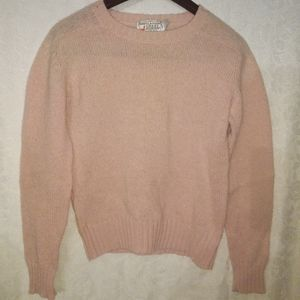 VINTAGE  sheltlander pink sweater. 💯 wool. Size M